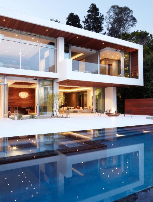Современный стиль оформления фасада частного дома