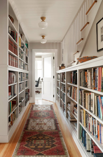Хранение книг в коридоре