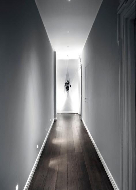 Отделка потолка в коридоре