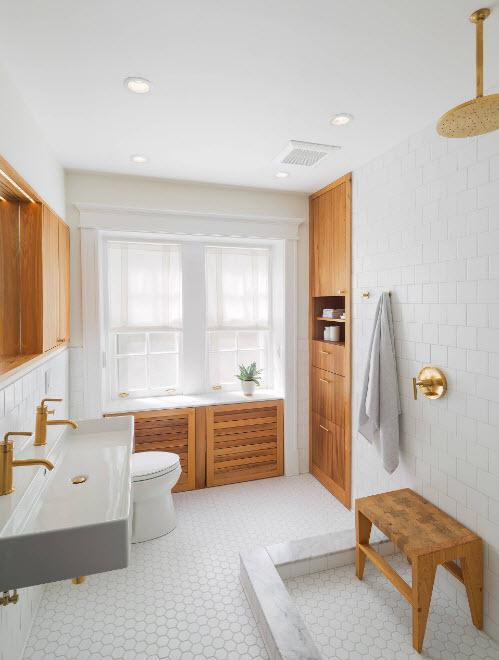 Деревянные поверхности в ванной