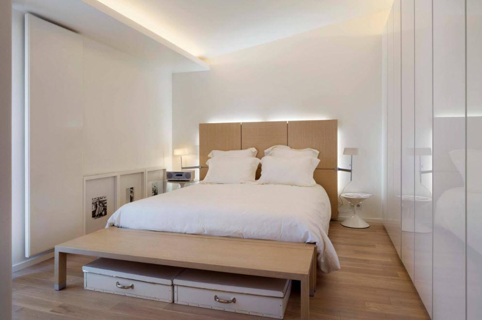 Спальня с эффектной подсветкой