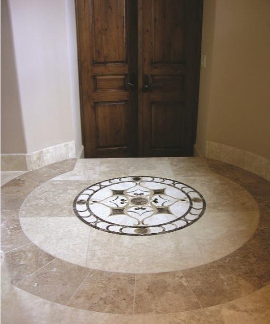 Декоративный элемент на полу