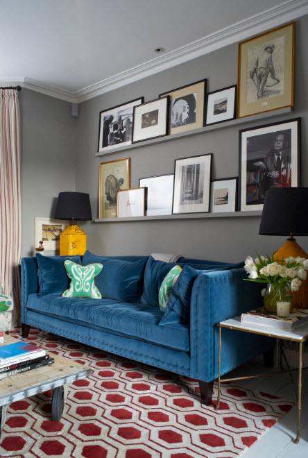 Яркий диван - акцент в дизайне