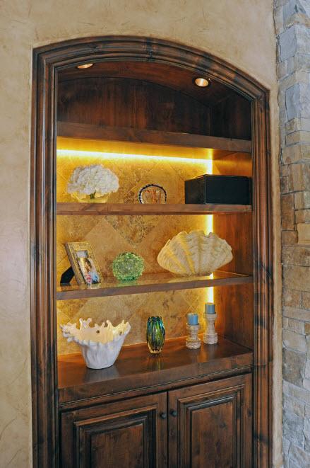 Ниши и шкафы с подсветкой