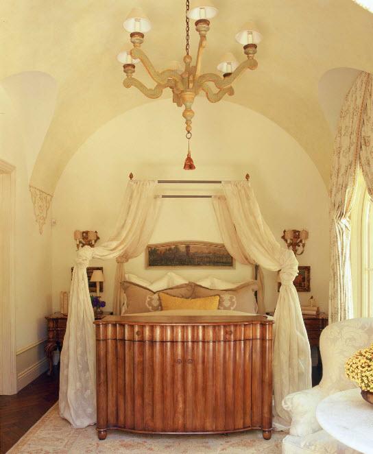 Для классической спальни