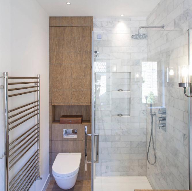 Мрамор и дерево в ванной комнате