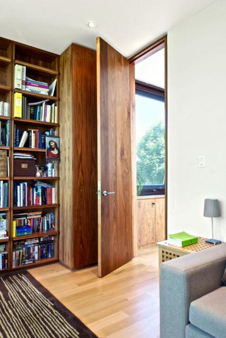 Нестандартной высоты дверь
