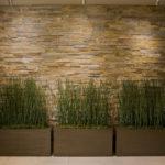 Отделка прихожей или коридора декоративным камнем
