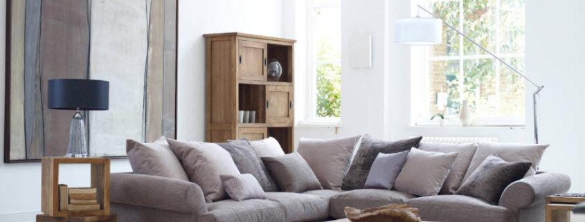 Вместительный угловой диван для современной гостиной