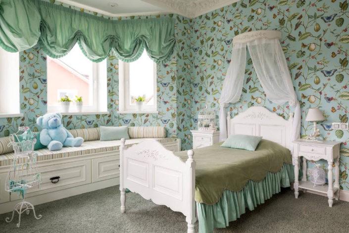 Выбор обоев для детской комнаты маленькой принцессы