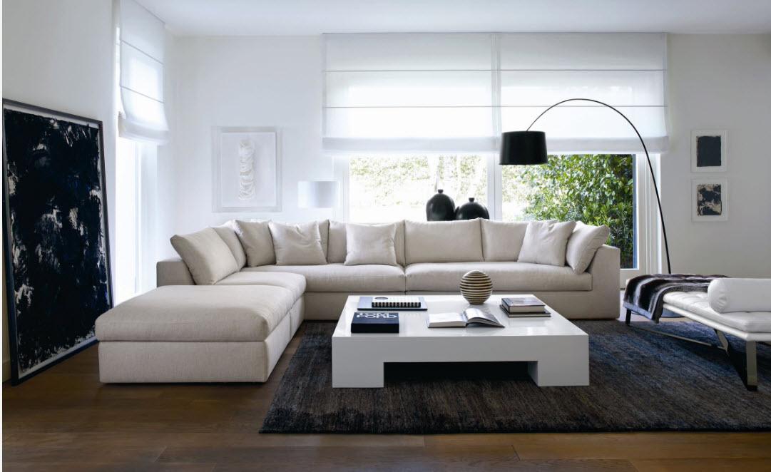 Огромный белый диван