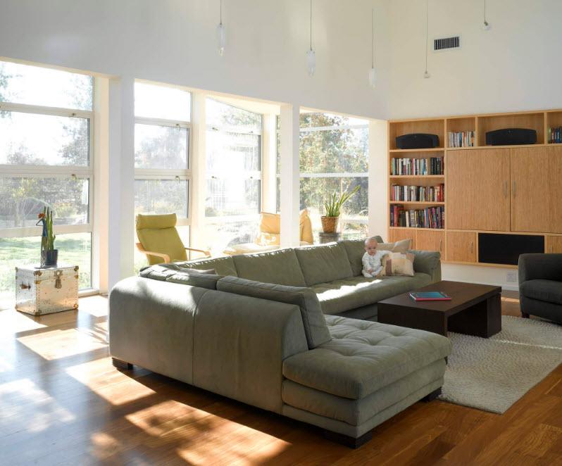 Просторный и вместительный угловой диван
