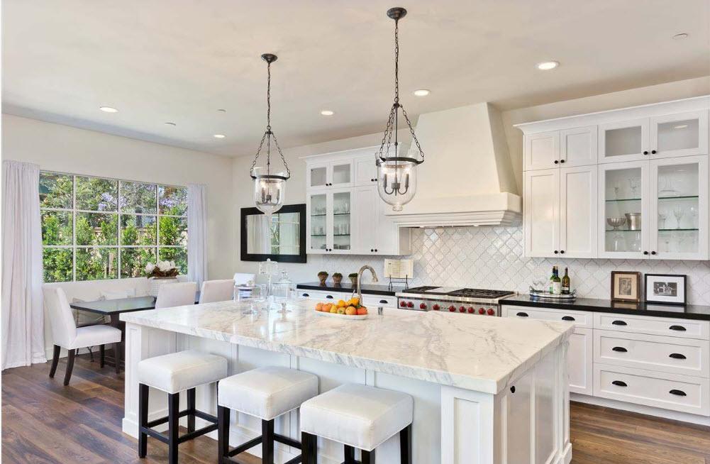 Светлая зона кухни-столовой