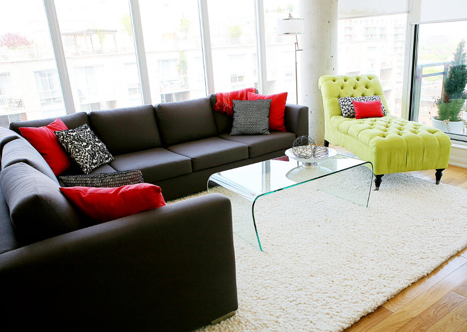 Темно-серая обивка для большого дивана
