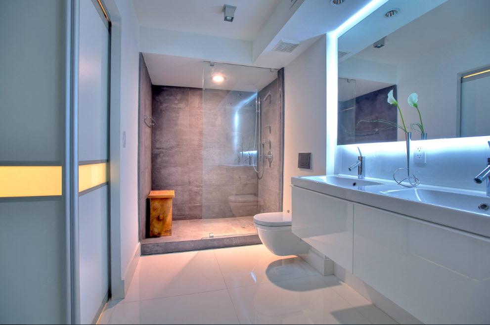 Ванная с эффектной подсветкой