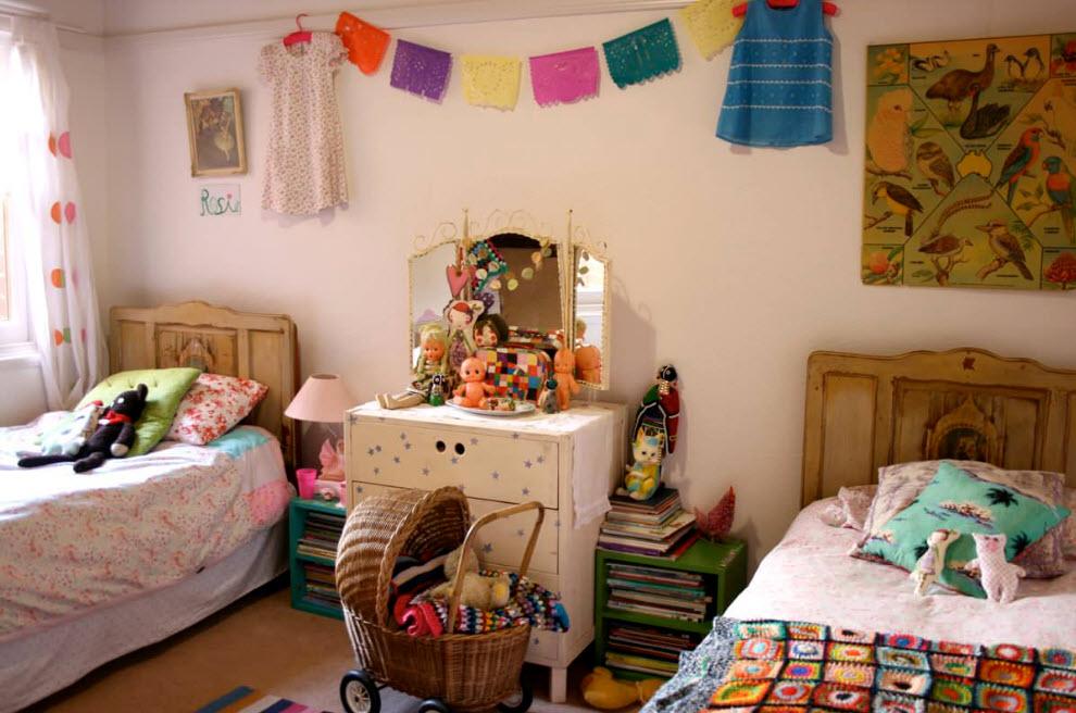 Спальные места в небольшой комнате