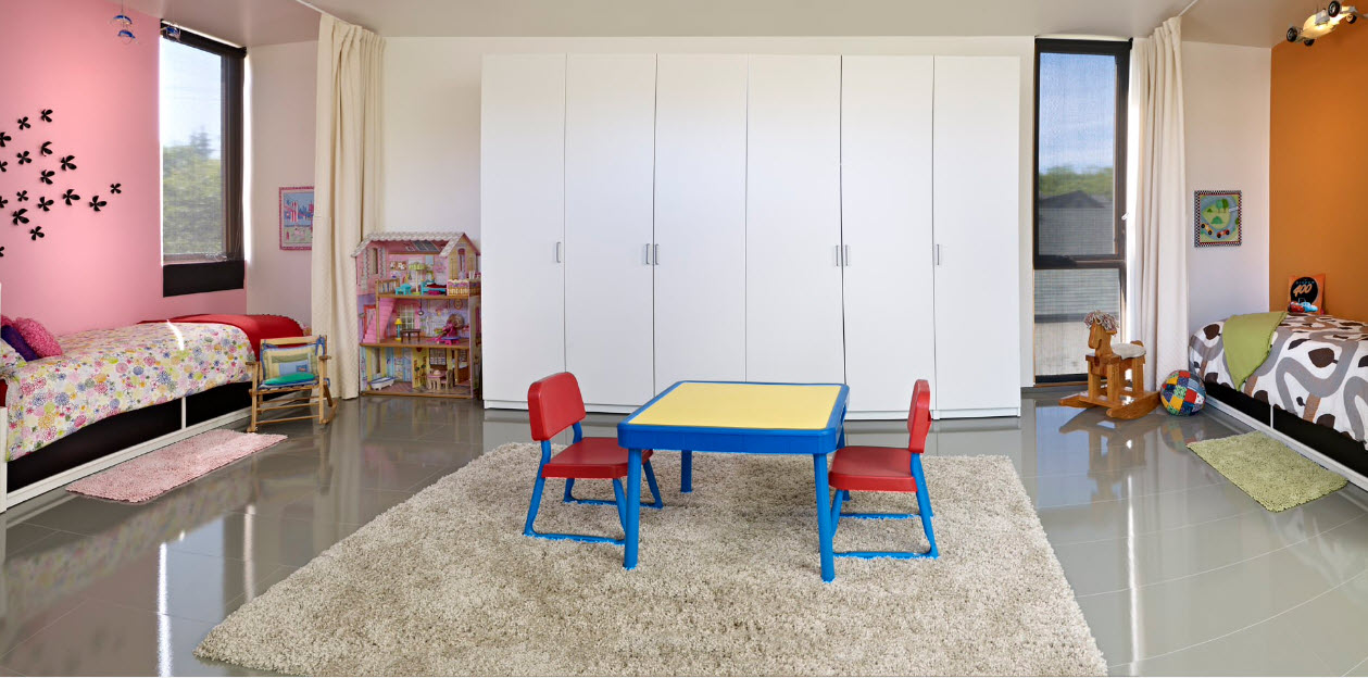 В комнате разнополых детей