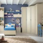 Угловой шкаф в интерьере спальни