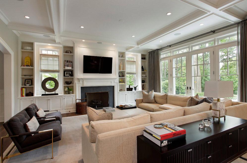Интерьер просторной и светлой гостиной