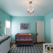 Интерьер детской комнаты с пеленальным комодом