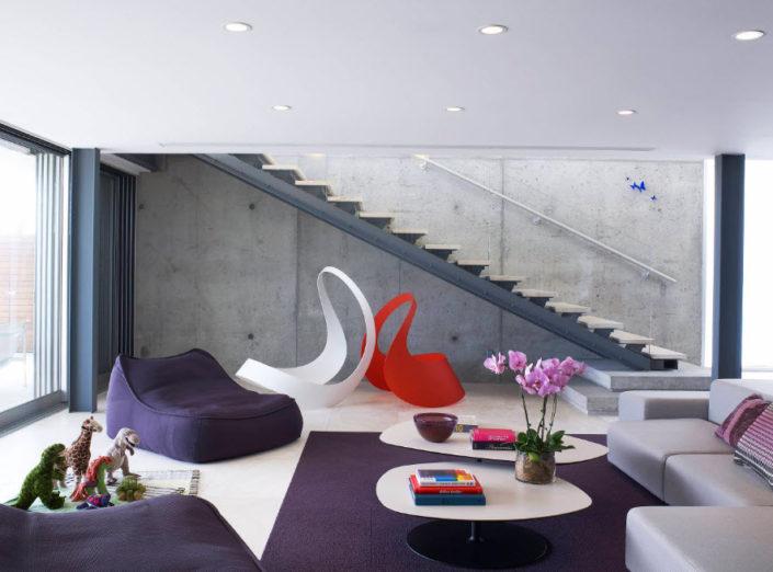 Современный стиль гостиной с бескаркасной мебелью