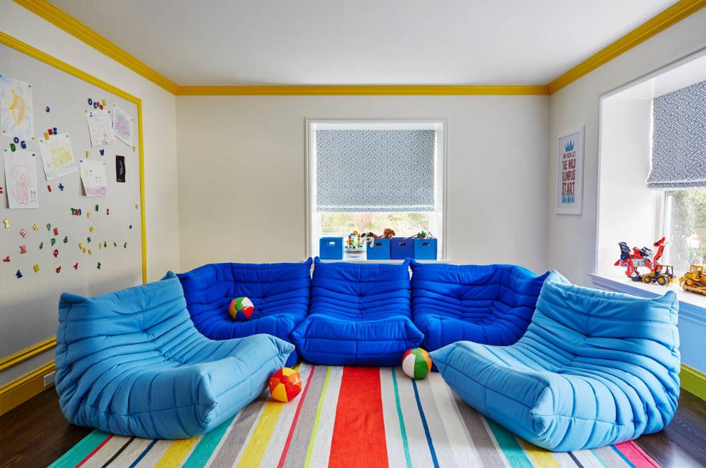Модульный диван из бескаркасных блоков