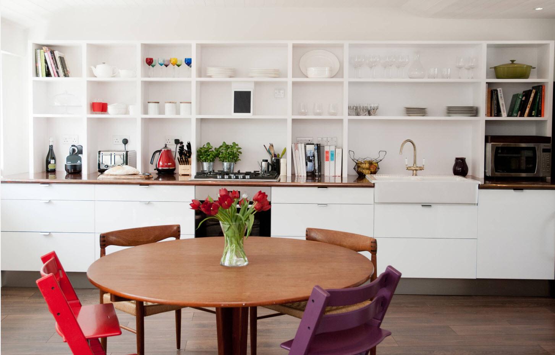 Белоснежный стеллаж для посуды