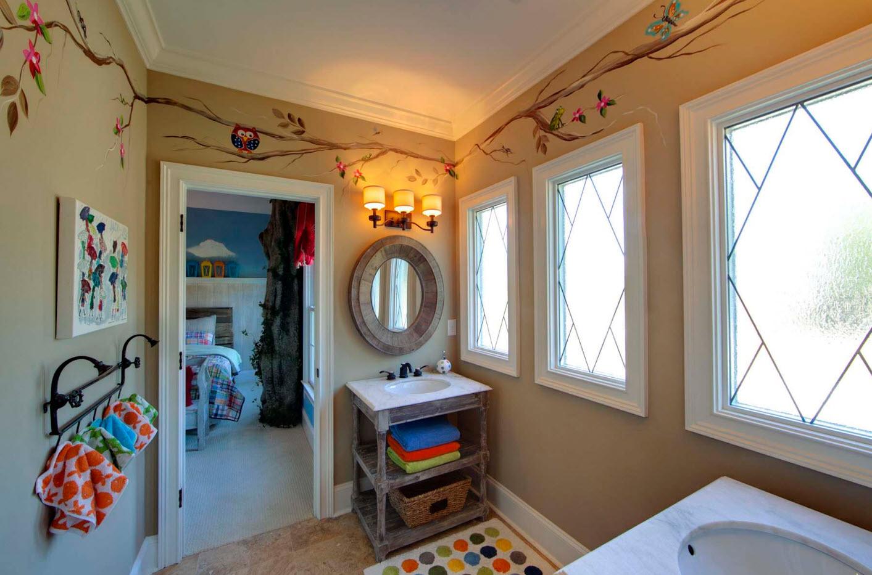 Оформление детской ванной комнаты