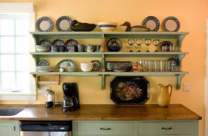 Открытые полки в современном интерьере - система хранения и декор