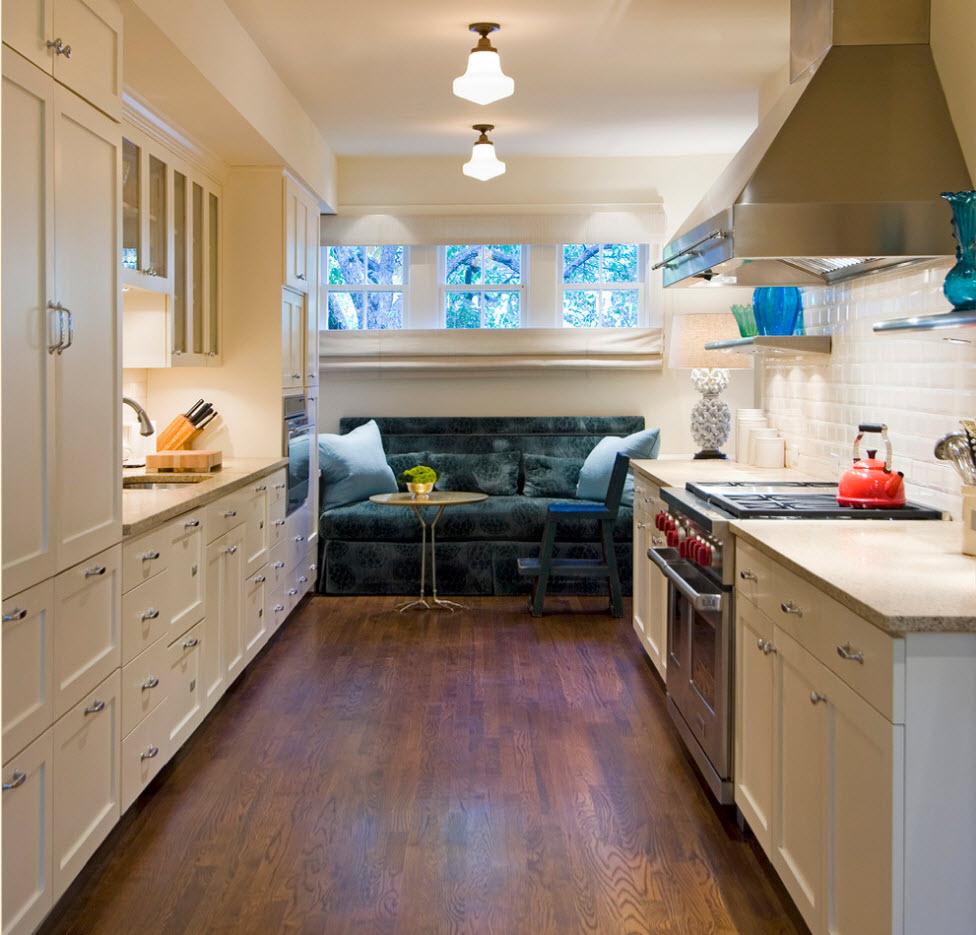 Небольшой диван для кухни