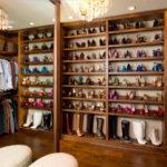 Полки для обуви в современном интерьере