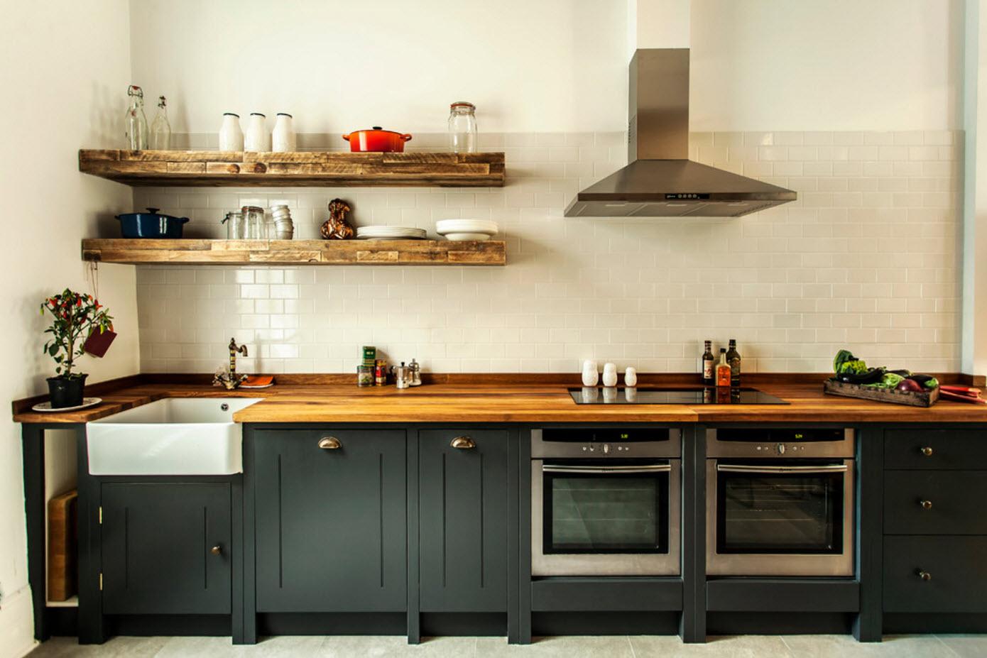 Кухонные полки из дерева
