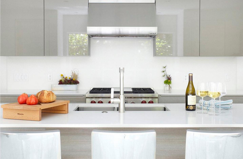 Кухня в серебристых тонах