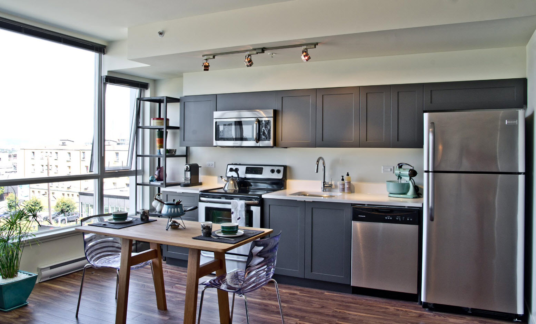 Фото кухни в сером цвете