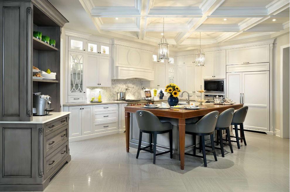 Сірий буфет у білосніжній кухні