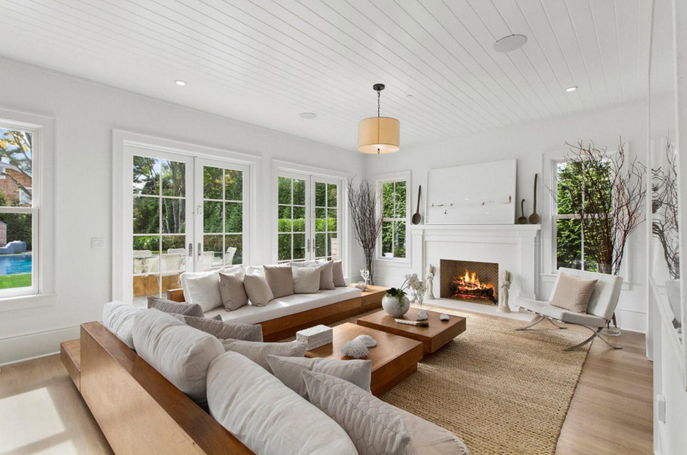Деревянная мебель в белой гостиной
