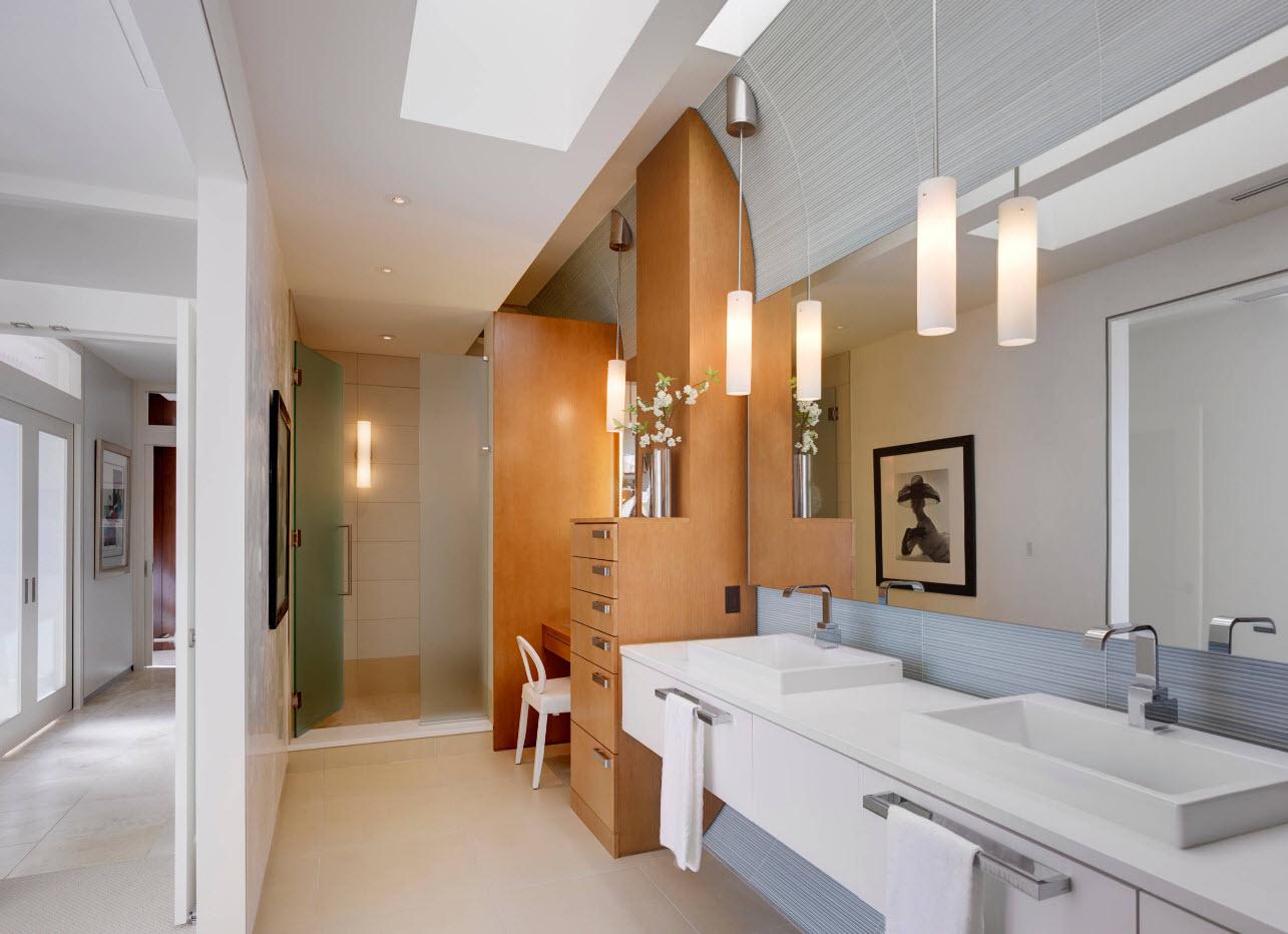 Дизайн ванной комнаты с туалетным столиком