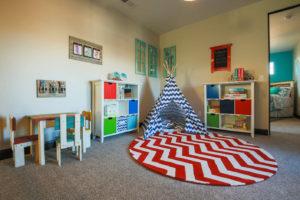 Современный интерьер детской комнаты 2017