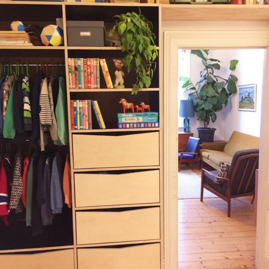 Шкаф вокруг дверного проема