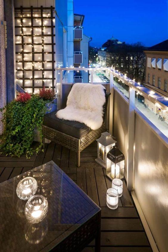 Балкон с эффектной подсветкой