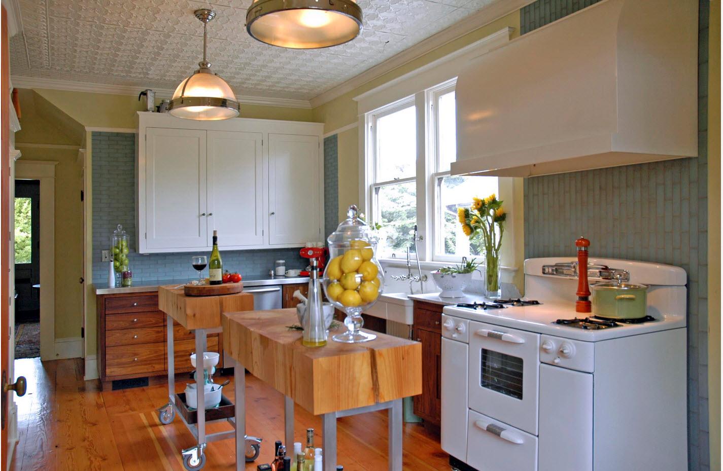 Пара необычных кухонных островов