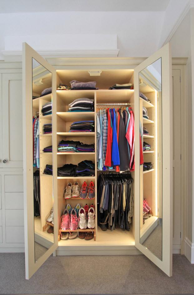 Шкаф с подсветкой