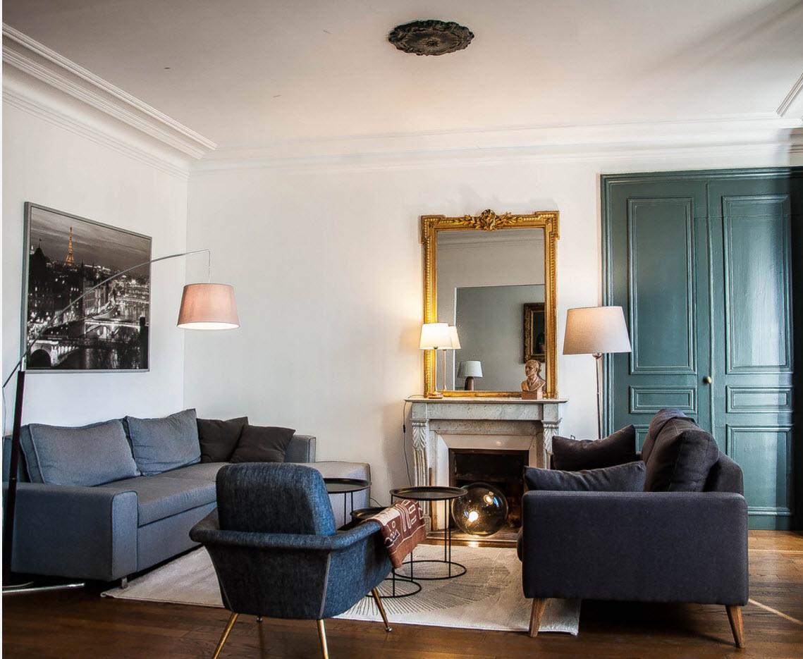 Классические элементы в современной гостиной