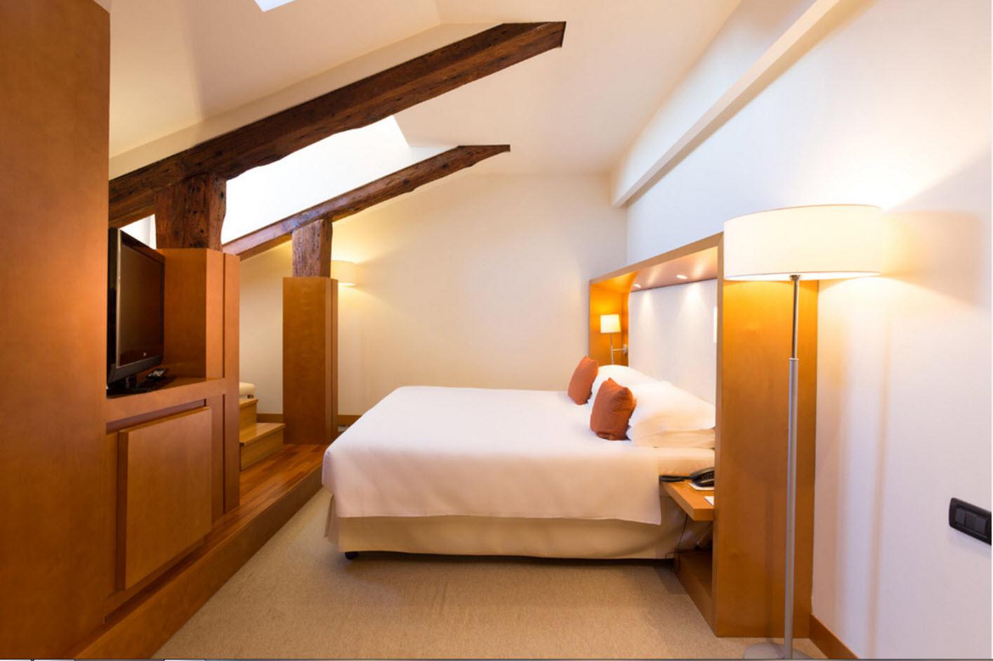Оригинальная геометрия спальни