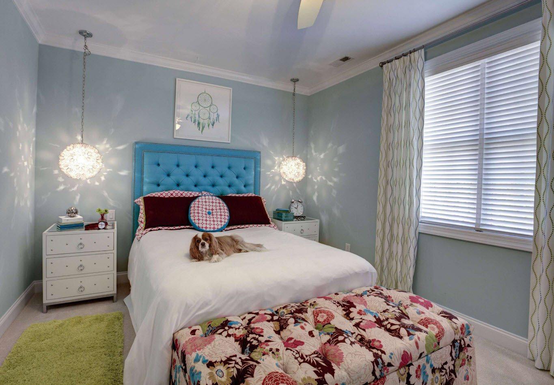 Детская спальня в светло-голубом