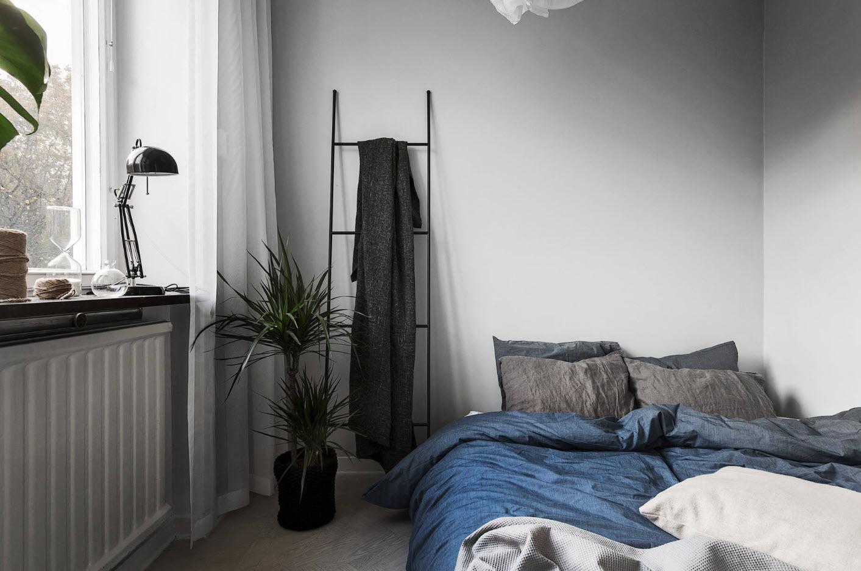 Скандинавский стиль в маленькой спальне