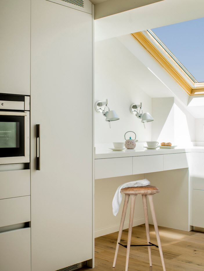 Белоснежный дизайн для маленькой кухни