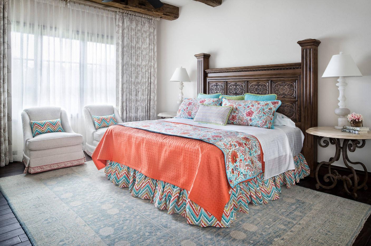 Роскошная резная кровать