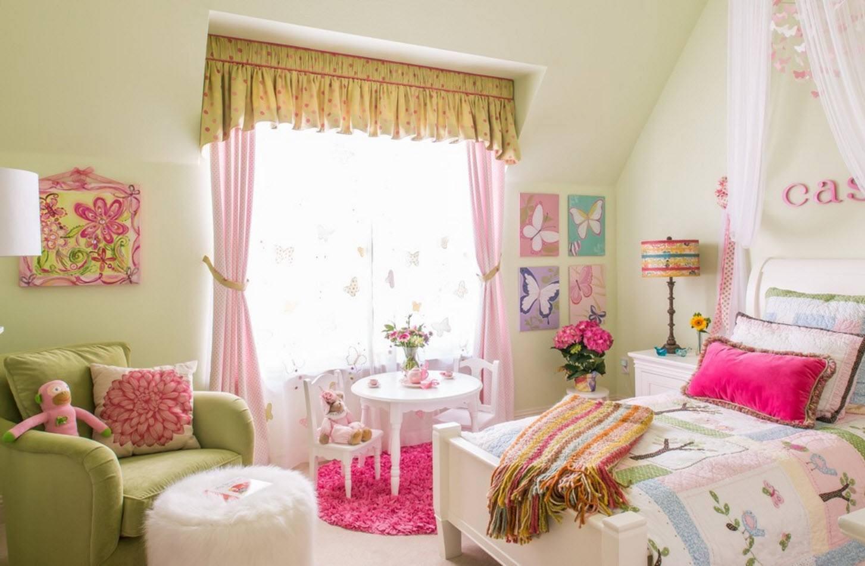 В комнате для дошкольницы