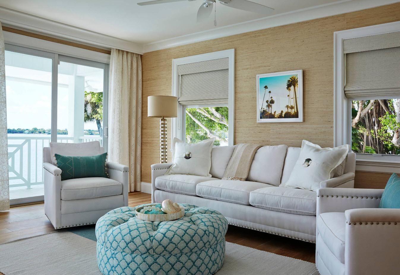Нотки пляжного стиля в гостиной